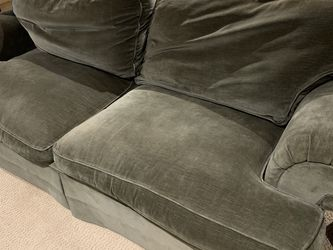 Free Safe Green Velvet Couch for Sale in Seattle,  WA