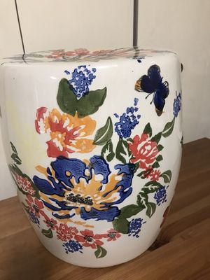 """Still available ceramic 24"""" hand painted with side handles pick up in Gaithersburg md20877 for Sale in Washington Grove, MD"""