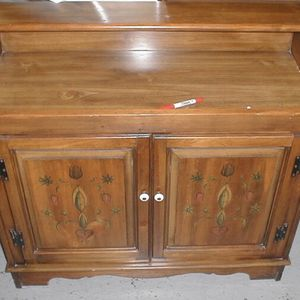 Solid Wood Dry Sink w/ Magnavox Stereo Receiver & Turntable Built-In for Sale in Port Charlotte, FL