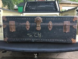 Vintage trunk for Sale in Dallas, TX