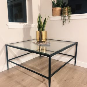 Coffee Table for Sale in Puyallup, WA