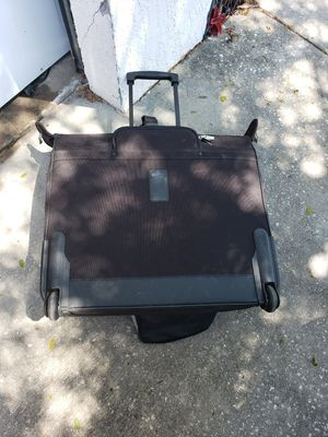 Black garment bag for Sale in Orlando, FL