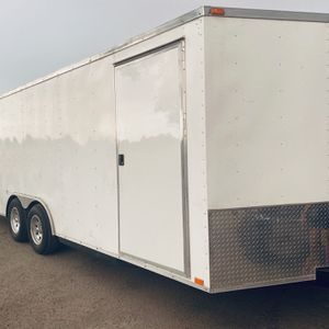 24ft Enclosed Trailer for Sale in Fresno, CA