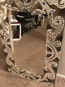Nice mirror for Sale in Beaverton,  OR