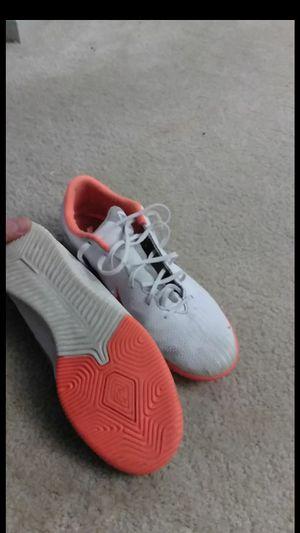 Mercurial vapor indoor soccer shoe size 10 for Sale in North Potomac, MD