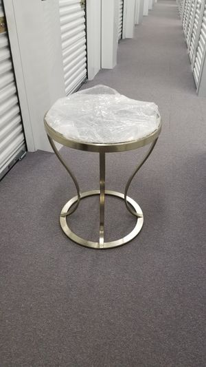 Side table, 30 tall, about 24 diameter for Sale in Park Ridge, IL
