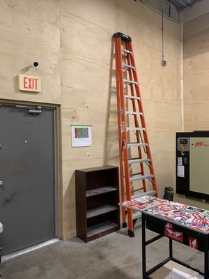 12 Ft Ladder Like New for Sale in Tampa, FL