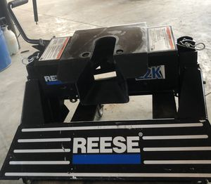 REESE 5th Wheel Hitch With Brackets for Sale in Brighton, CO