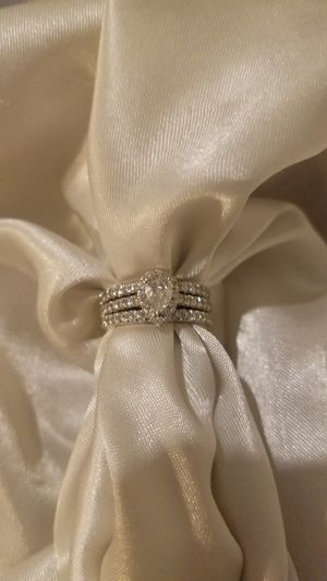 Package deal!! Stunning three-band diamond rings AND earrings!! for Sale in Arlington, TX