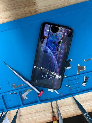 iPhone 6,7,8 plus and ipad air screen replacement 7VCG for Sale in Miami Shores, FL