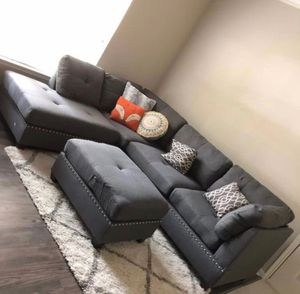 "New in box grey sectional sofa ottoman included/reversible chaise 104""x75"" for Sale in Los Angeles, CA"