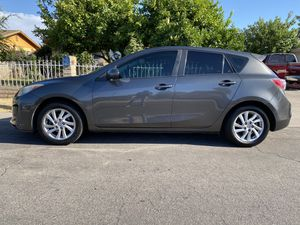2012 Mazda Mazda3 i touring hatchback Manual Transmision for Sale in Guadalupe, AZ