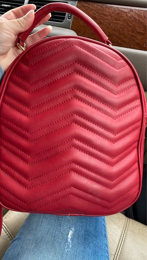 nice cut red purse /back pack for Sale in Mesquite, TX