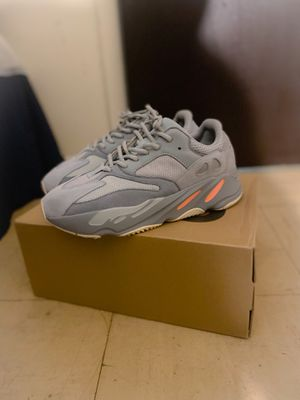 9.5 Adidas Yezzy Boost 700 V2 inertia for Sale in Newark, NJ