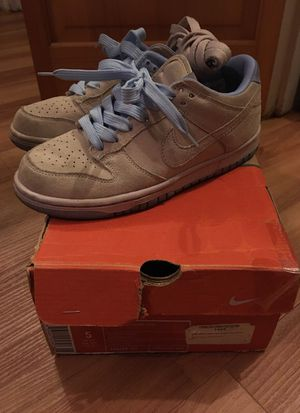 Nike Dunk Low (sz5) for Sale in Denver, CO