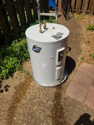 Electric water heater for Sale in Nashville, TN
