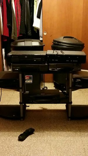 5 disc CD Player , VCR &DVD COMBO'S , VCR and DVD singles for Sale in St. Louis, MO