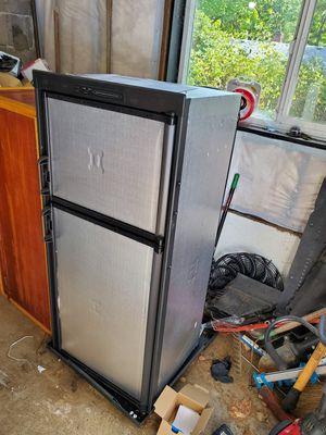 New Dometic America 2 way fridge freezer dm2652 for Sale in Portland, OR