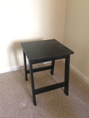 Black side table for Sale in Silver Spring, MD