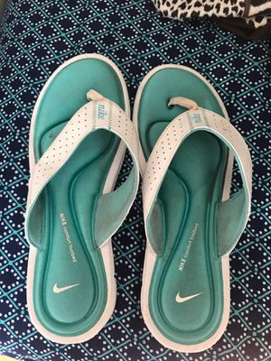 Nike Comfort Footbed flip flops for Sale in Fairfax, VA