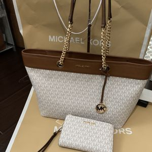 Brand new!!! 💯Real !!! Michael kors chain tote purse with matching wallet for Sale in Pomona, CA