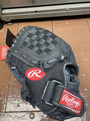 Rawlings baseball glove for Sale in Brook Park, OH