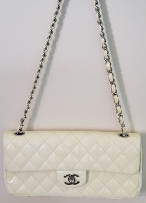 Authentic Chanel Chain Flap Bag Quilted Caviar East West Patent Leather for Sale in Oswego, IL