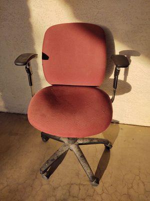 Free desk chair for Sale in Phoenix, AZ