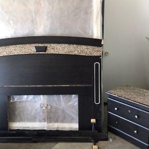 Queen Bed Set for Sale in Visalia, CA