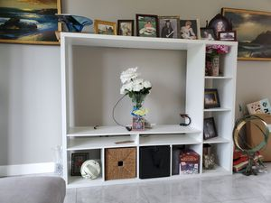 TV stand - White color for Sale in Winter Springs, FL