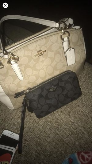 Coach purse & wallet for Sale in El Paso, IL