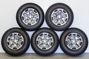 Jeep Jk 5.5 Wheels With Tires for Sale in MAGNOLIA SQUARE, FL