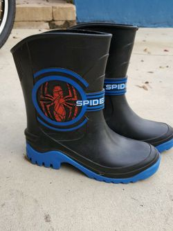 Kids Sz4 Spiderman Rain Boots for Sale in Fort Lauderdale,  FL