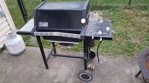Free: Seen-better-days grill for Sale in Oaklandon, IN
