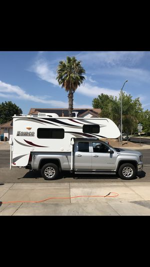 2016 Lance 825 Cab over Camper for Sale in Yuba City, CA