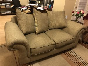 Loveseat & Matching Oversized Chair for Sale in Ashburn, VA
