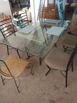 Kitchen table and chairs for Sale in Lucerne Valley, CA