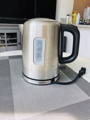AmazonBasics Stainless Steel Portable Electric Hot Water Kettle - 1 Liter, Silver for Sale in New York, NY