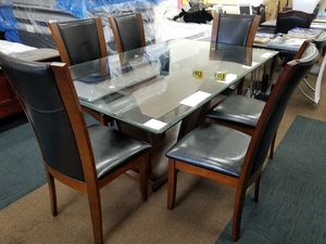 New glass top dining table set with 6 chairs for Sale in Beltsville, MD