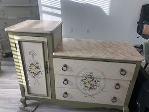 Changing table Rooms To go for Sale in Zephyrhills, FL