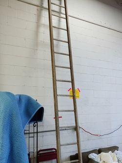18 Foot Aluminum Ladder for Sale in Lorton,  VA