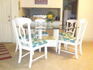 Designer 1of1 8 seater glass top dining table $400.00 for Sale in Pensacola, FL
