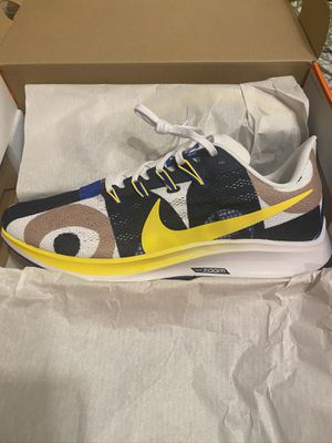 Brand new men's nike air zoom Pegasus running shoes size 9.5 with box for Sale in San Antonio, TX