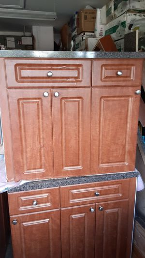 Kitchen cabinets for Sale in Lehigh Acres, FL