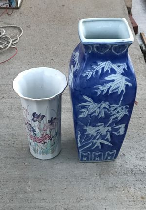 2 flower vases for Sale in St. Louis, MO