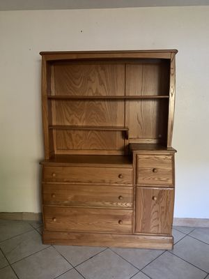 Dresser/Hutch/Changing Table for Sale in Santa Ana, CA