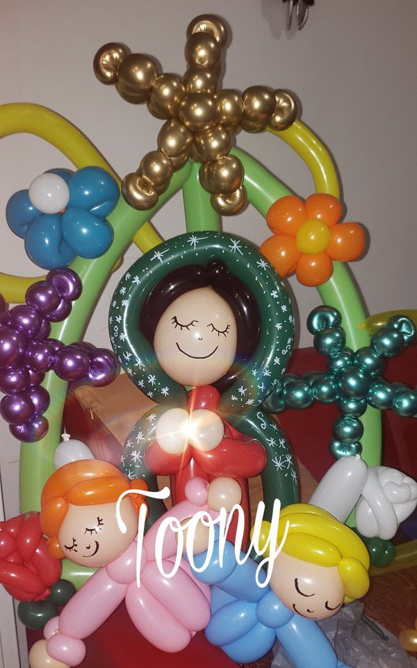 Toony twisted balloons