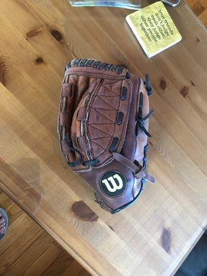 Fast pitch softball glove for Sale in Tacoma, WA