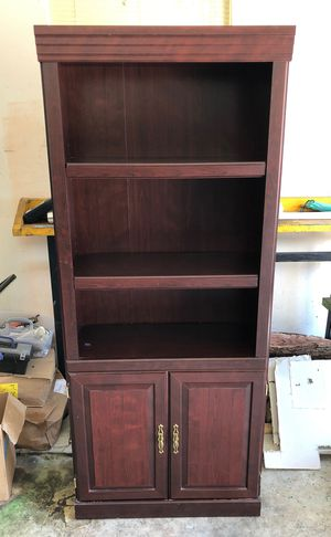 Book Shelf with Cabinet for Sale in Houston, TX