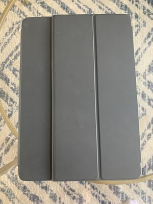 iPad Pro 10.5 w/ Smart Keyboard for Sale in Boston, MA